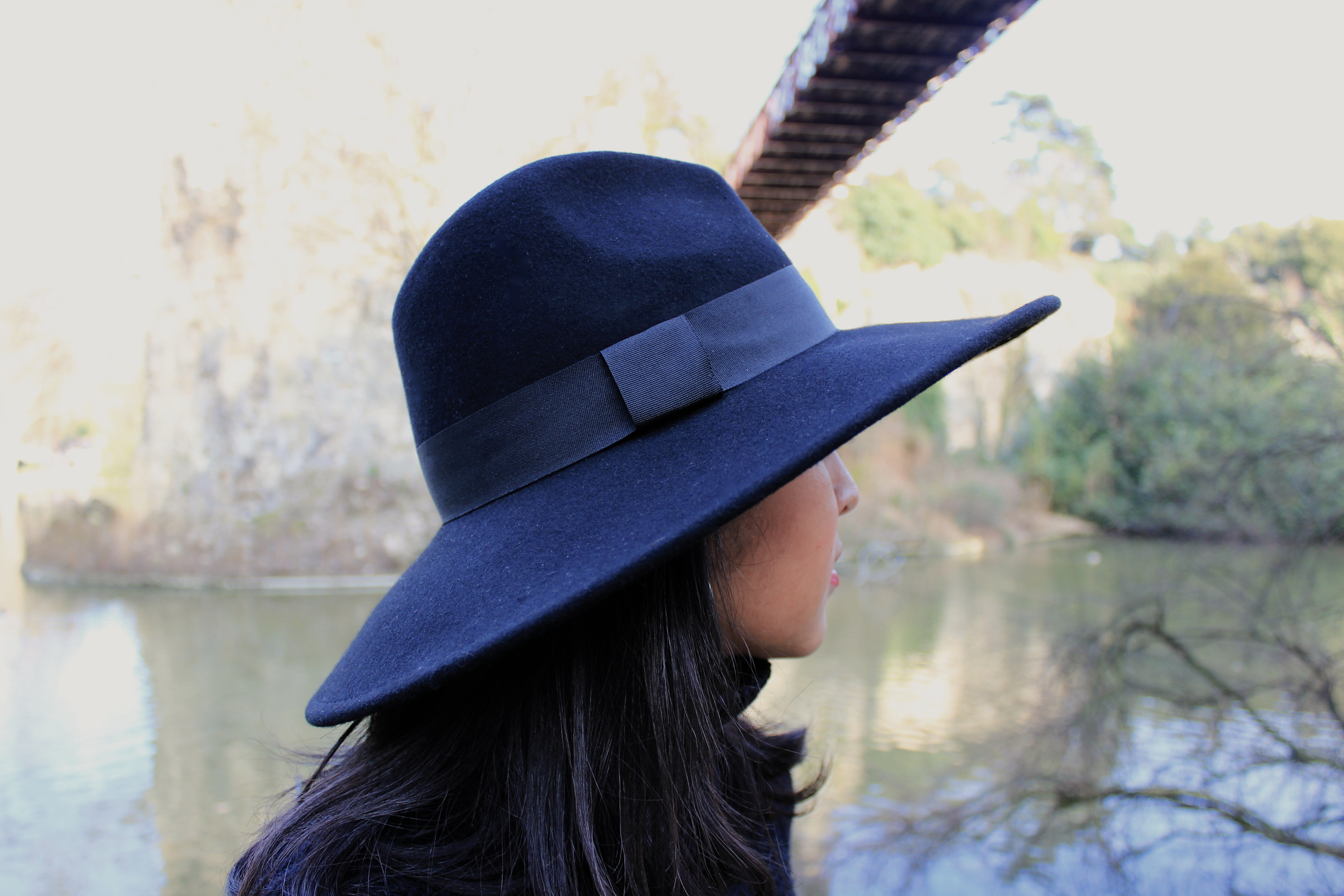 Soleil d'hiver_chapeau-Zara-col_roule-Pull-and-Bear-1