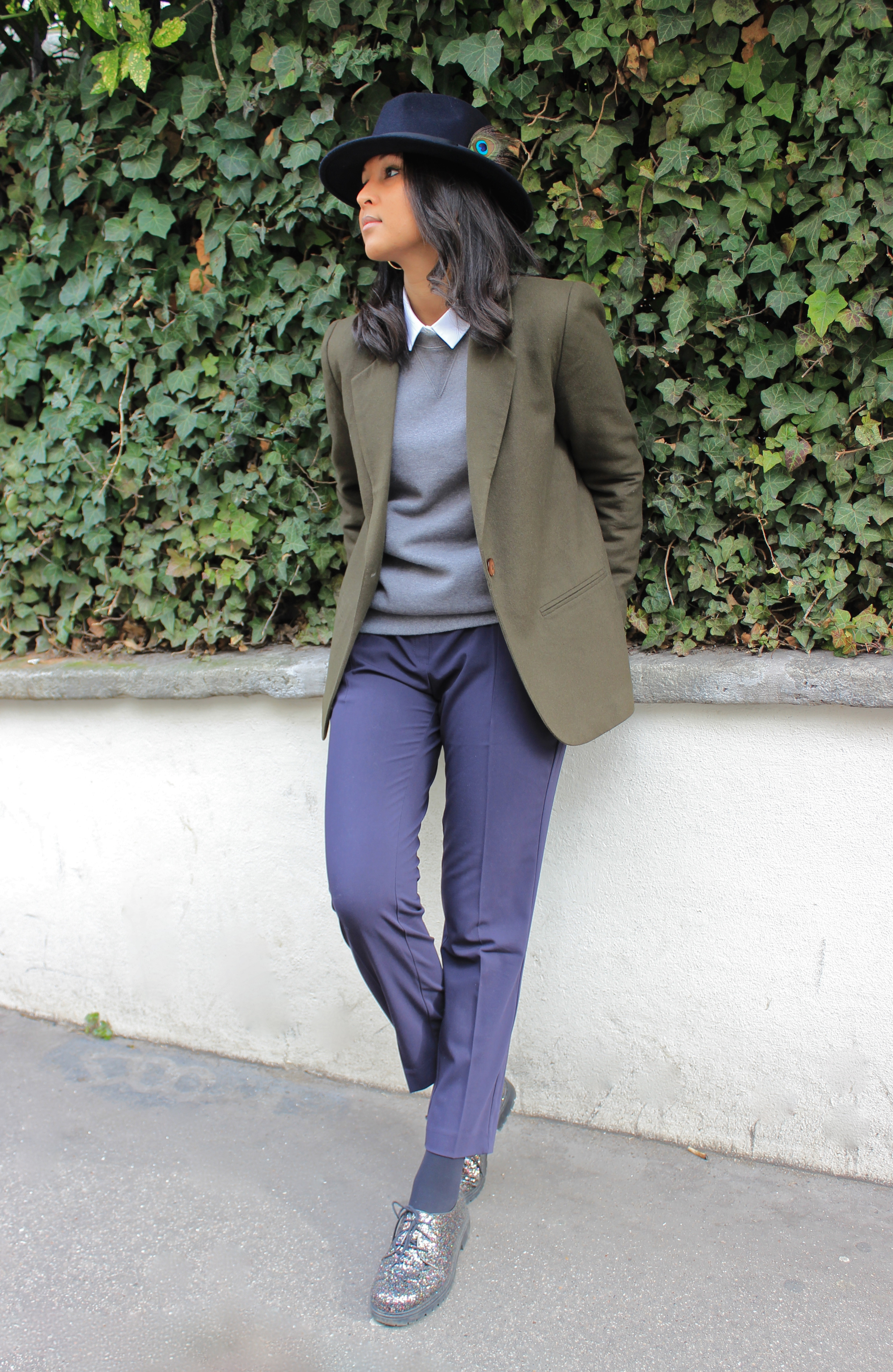 Like a sir-look-peacock hat kaki blazer navy pants 4