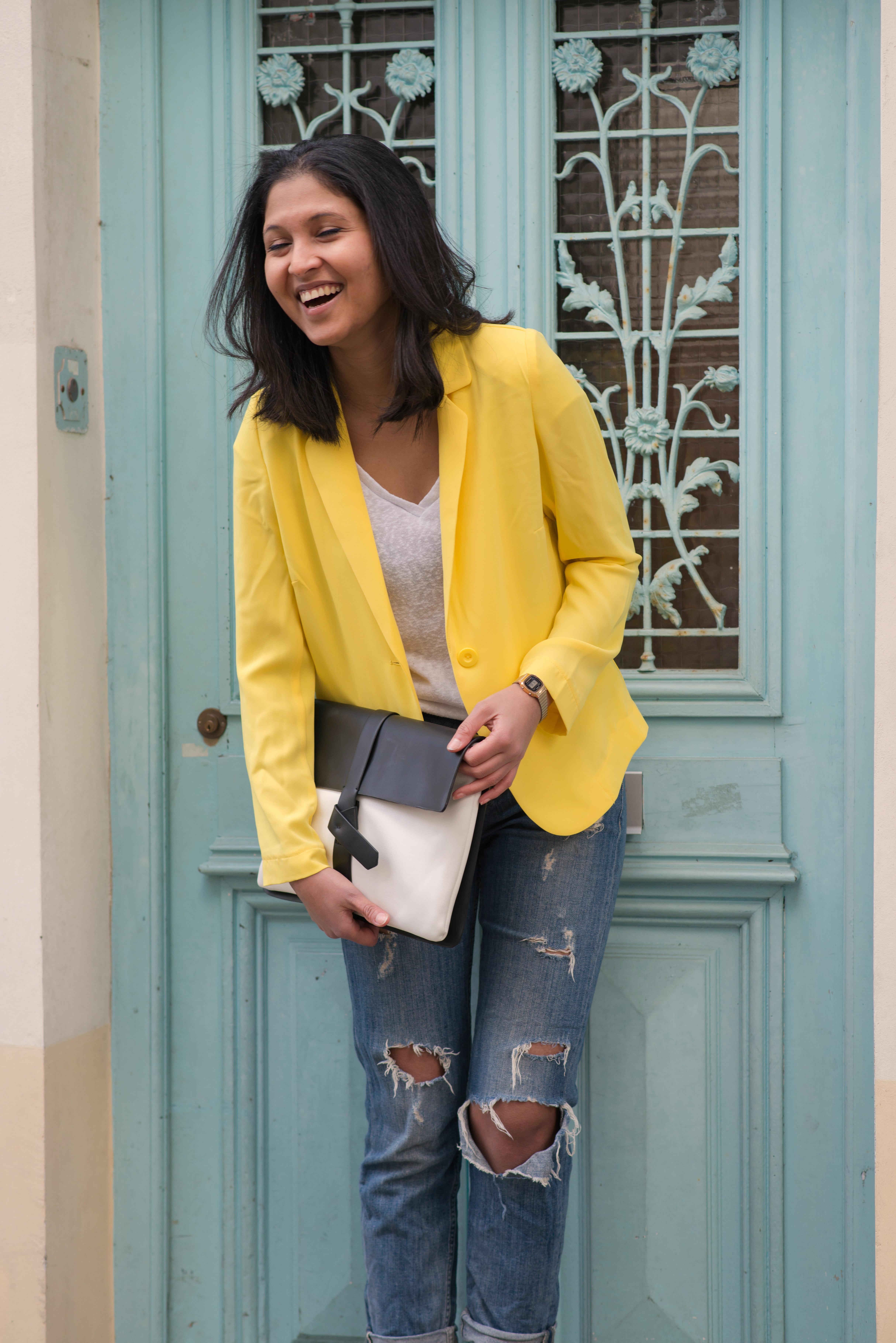 Yellow blazer-look-veste jaune Balsamik-pochette Zara-boots Asos-3