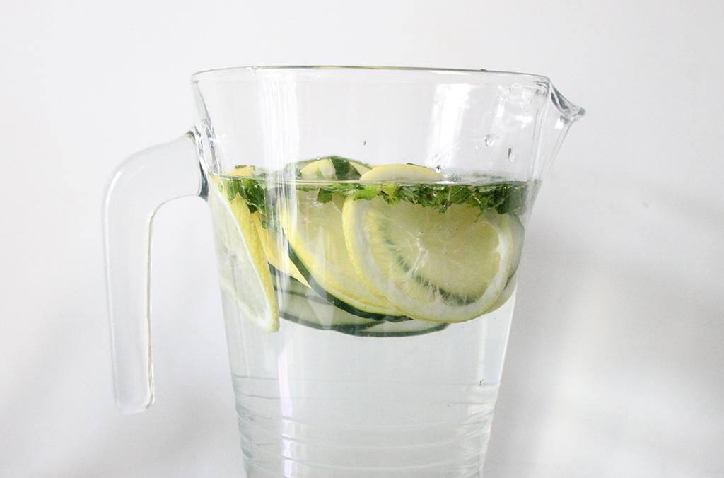 detox-water-menthe-concombre-citron-1