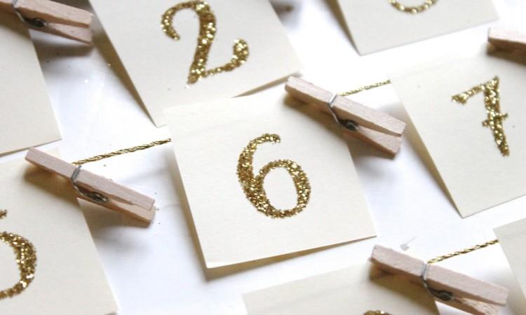 papier-numéroté-chiffres-paillettes