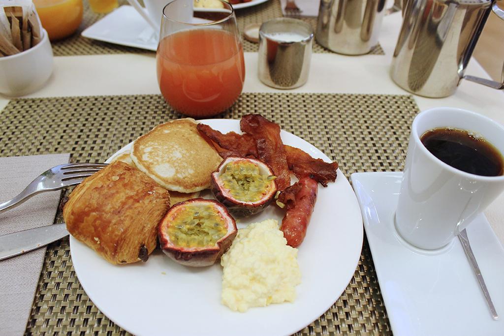 petit_dejeuner_hotel_edouard_7_paris