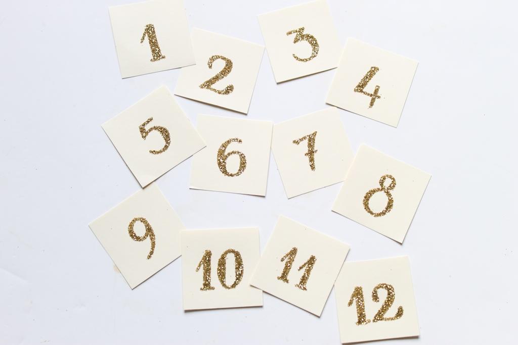 vignettes-papier-numéro-paillettes