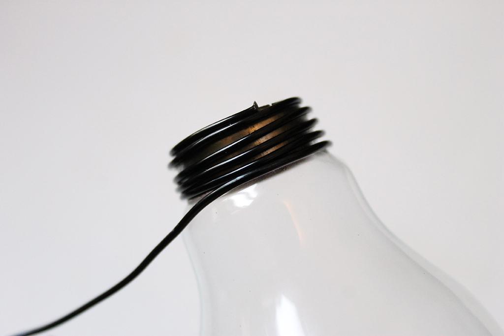 enrouler-fil-métallique-autour-culot-ampoule