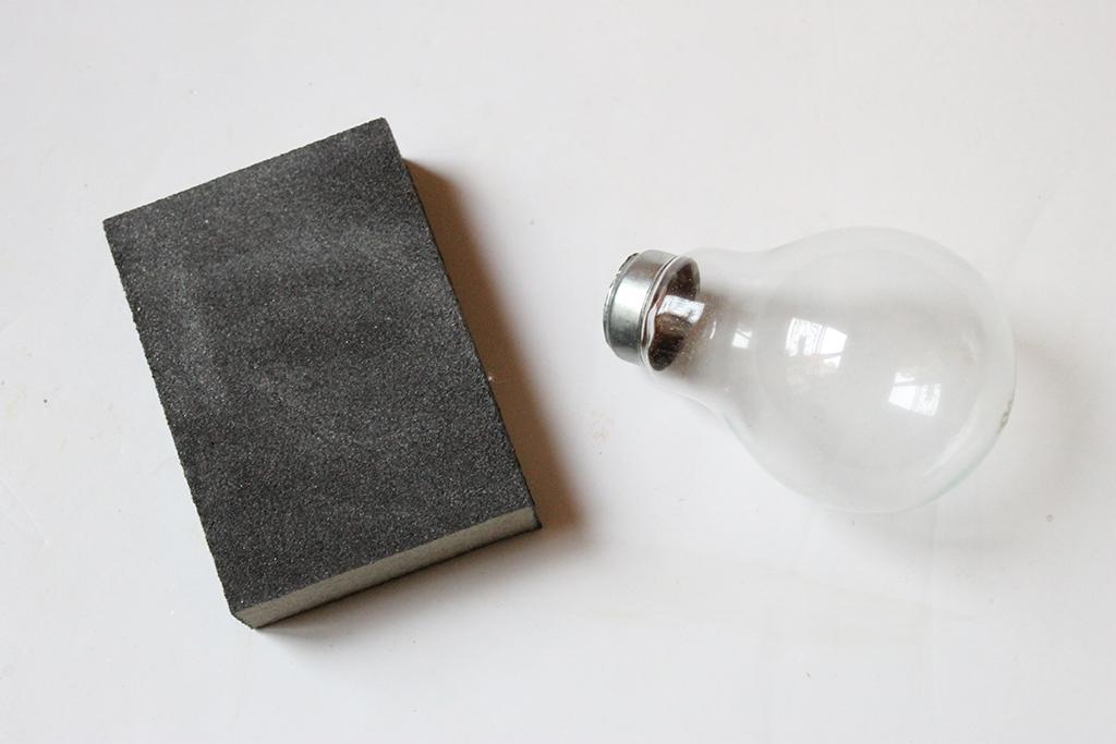 limer-bord-ampoule