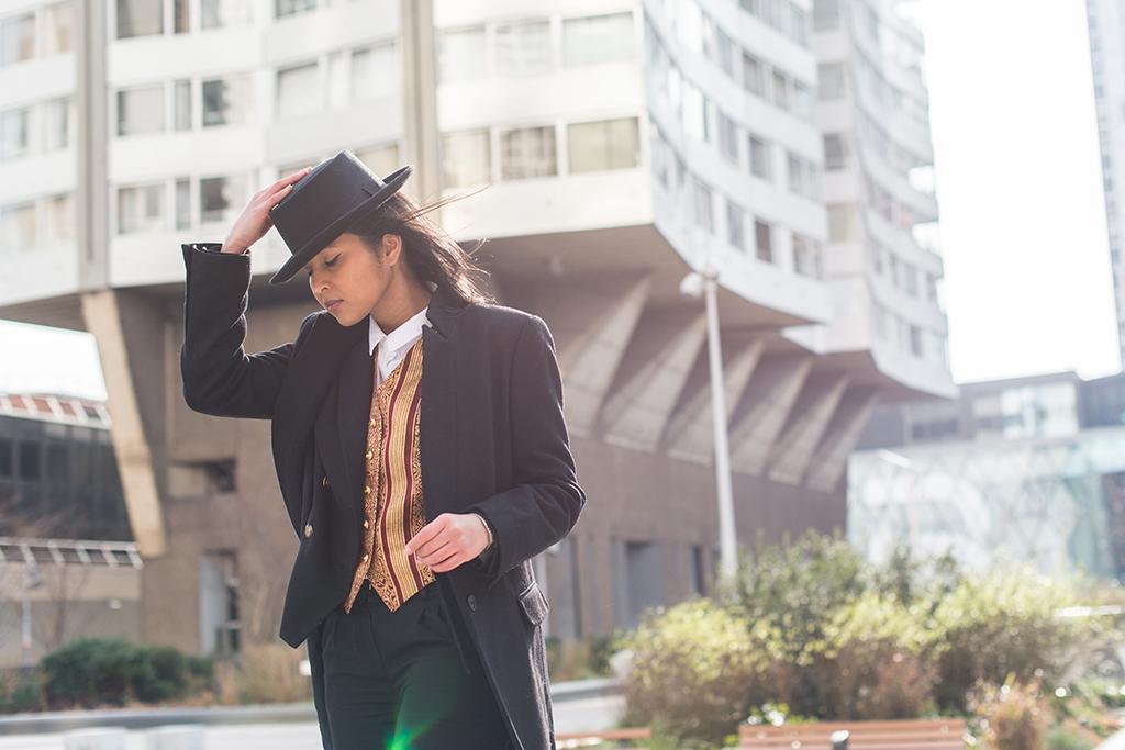 look-masculin-chapeau-costume-gilet-1