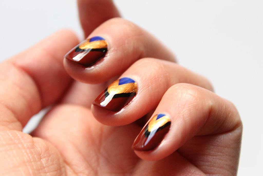 nail-art-ethnique-coloré