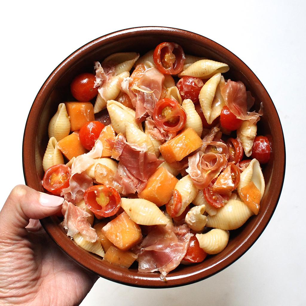 Conchiglie-melon-jambon-cru-sauce-ricotta-1