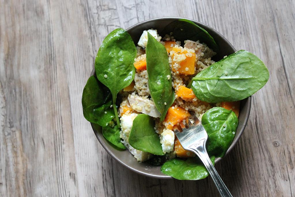 Salade-epinards-poulet-butternut-feta-quinoa-1