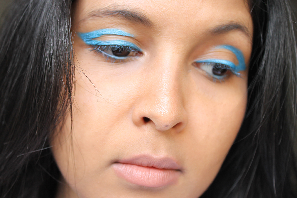 cut-crease-liner-turquoise