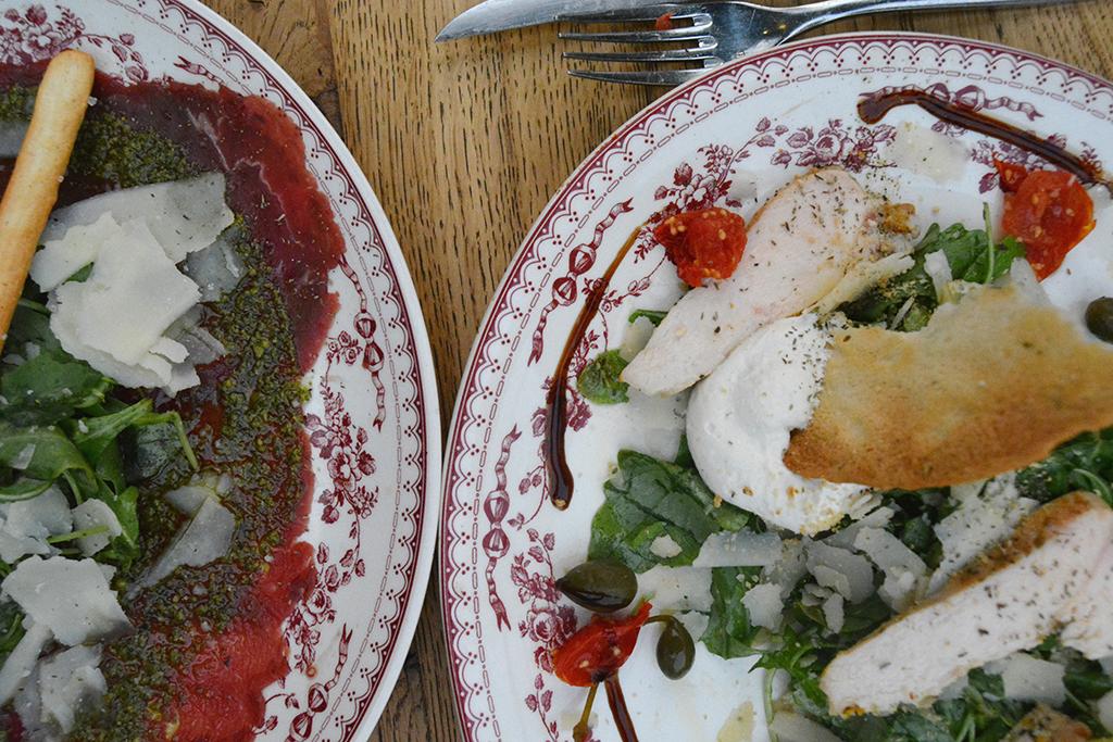 brasserie-auteuil-paris-salade-gremolata-carpaccio-boeuf