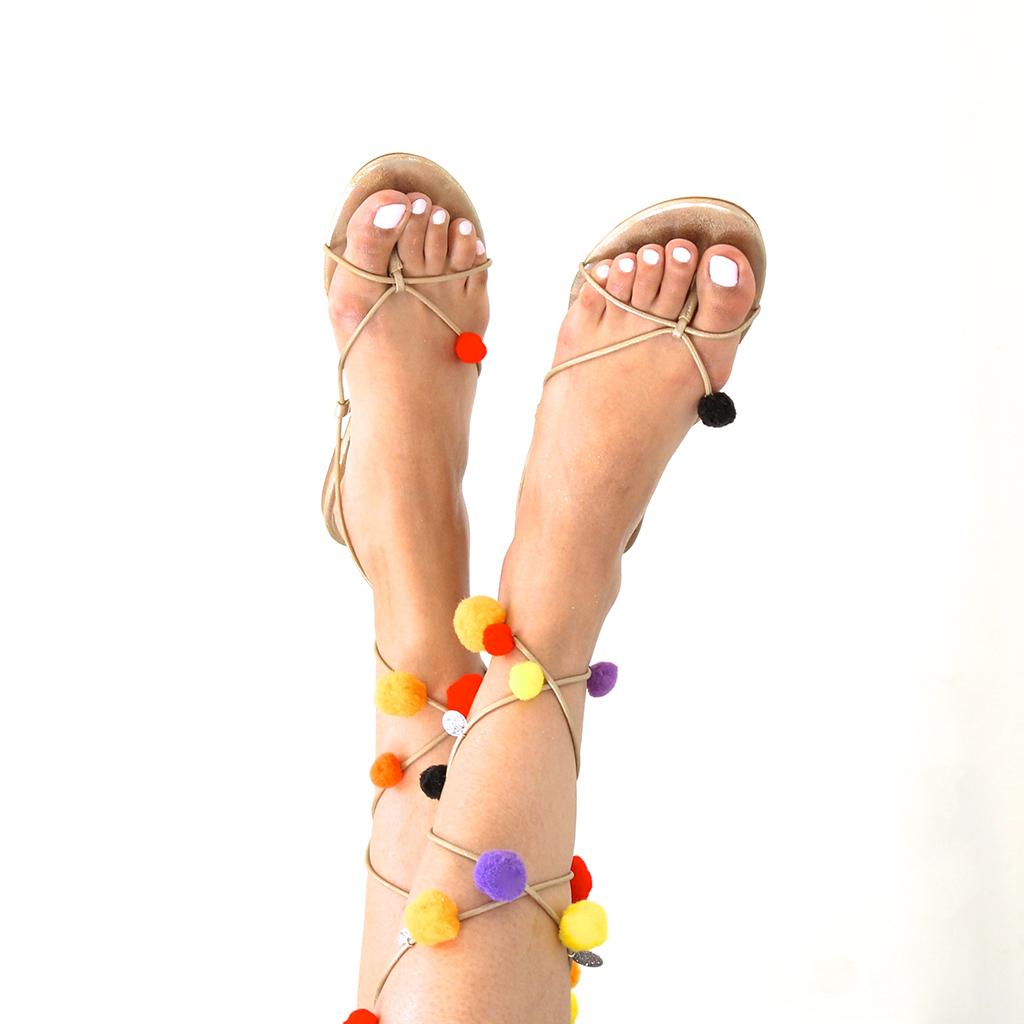 sandales-a-pompons-3