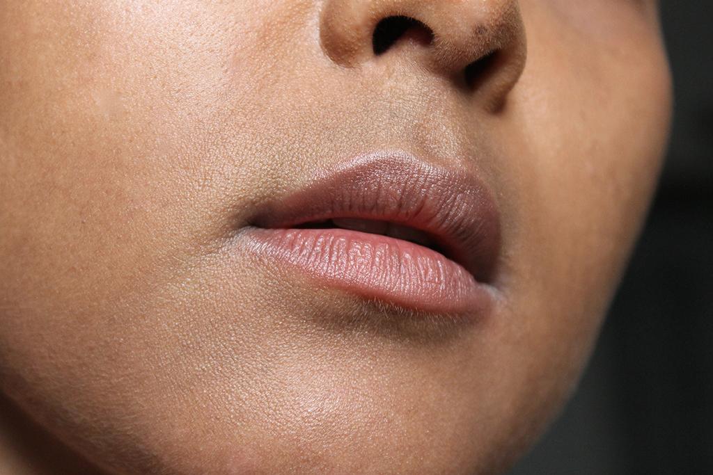 lasting-finish-lipstick-rimmel-paradise-swatch