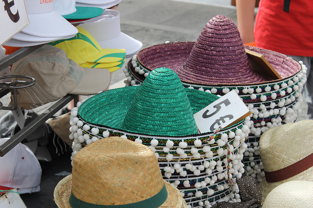 sombreros-marche-teguise