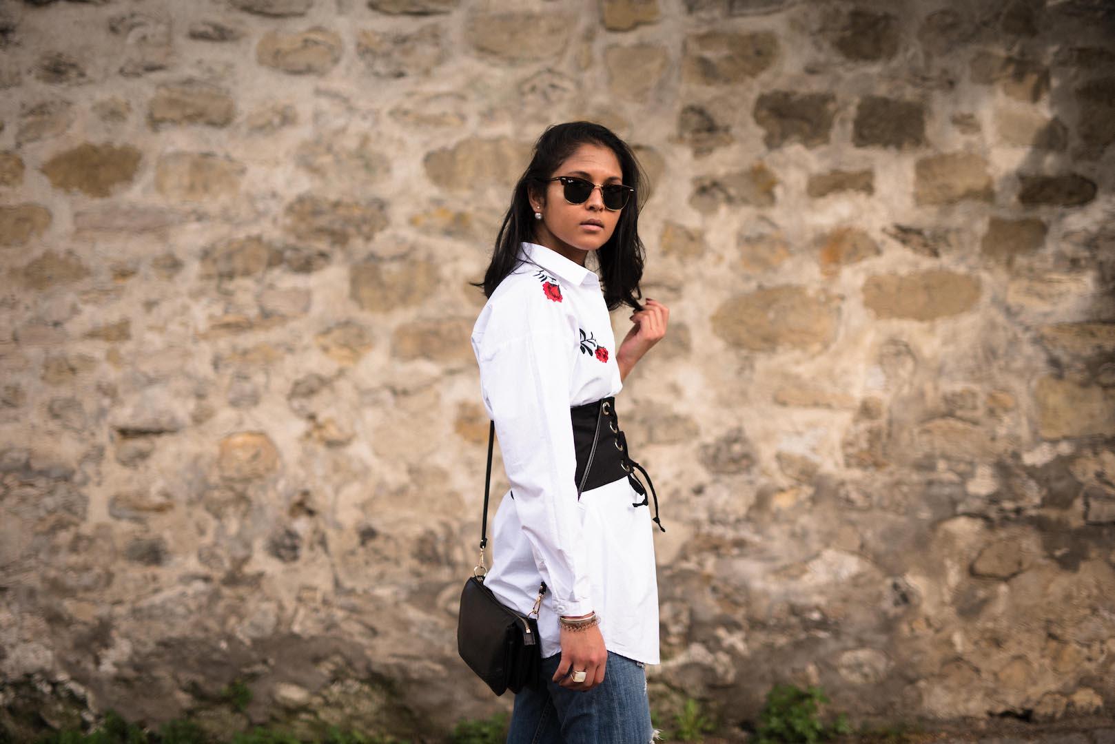 look-robe-chemise-corset-mom-jeans-1