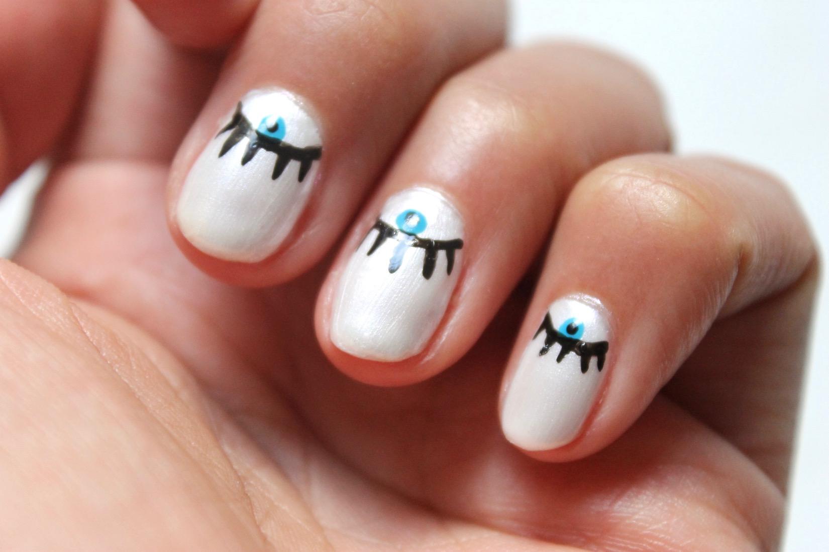 evil-eye-nail-art