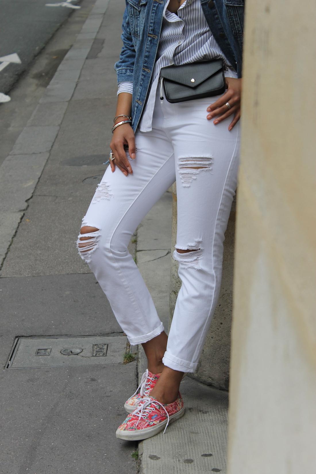 jean-blanc-vans-fleurs-ceinture-sacoche