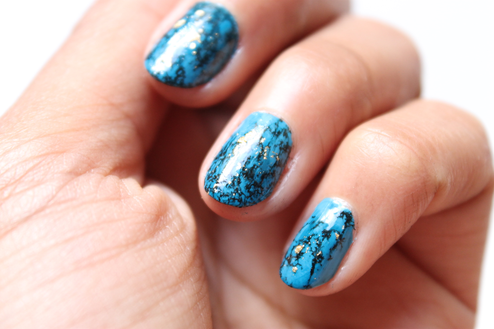 nail-art-turquoise-1