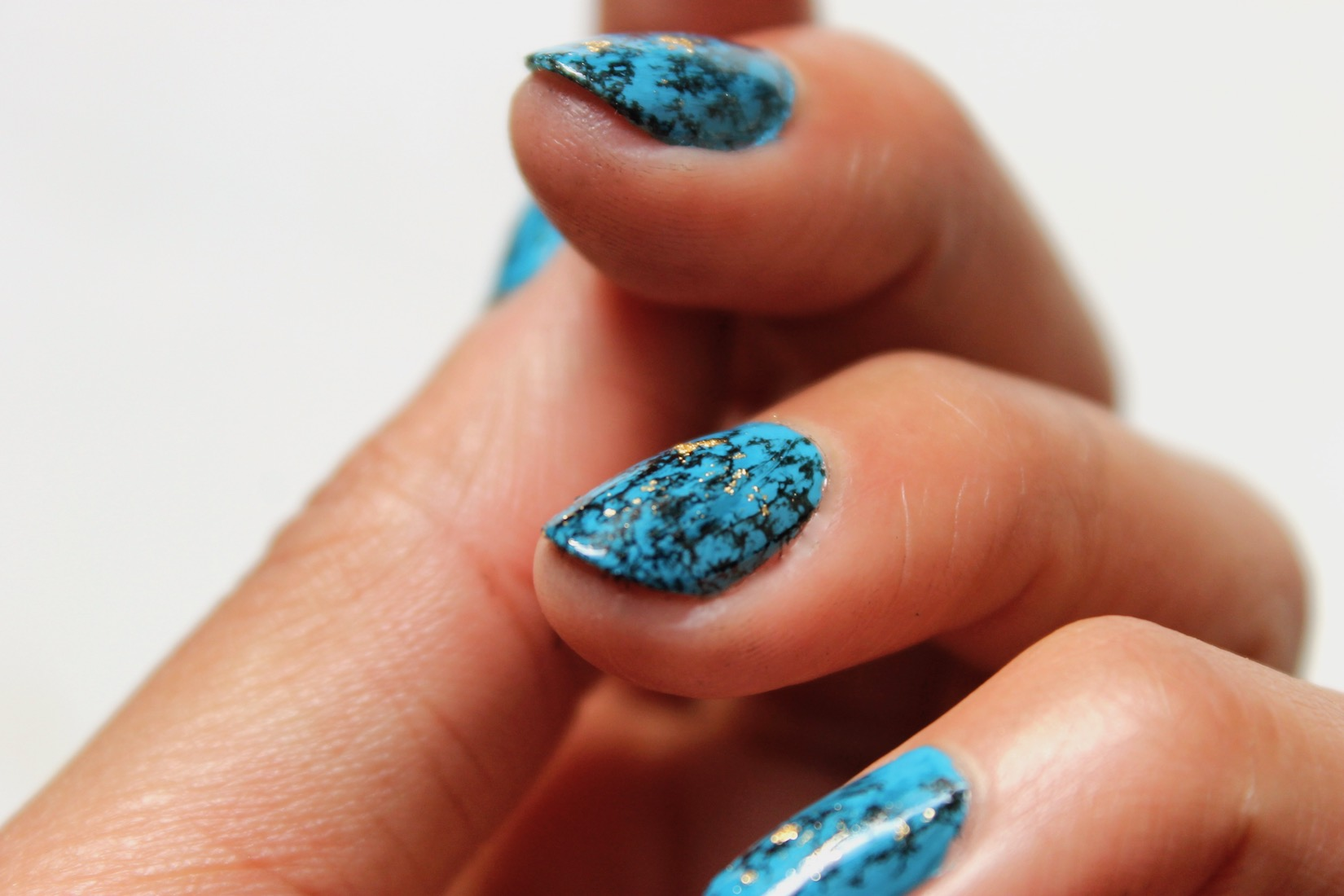 nail-art-turquoise-4
