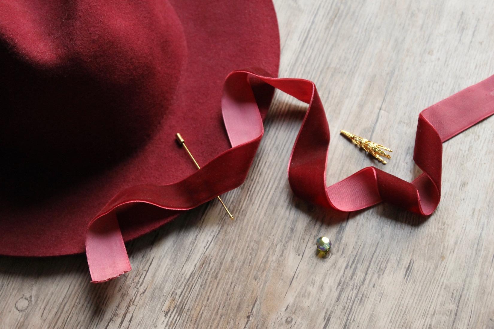 materiel-diy-pique-a-chapeau