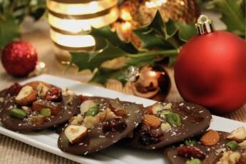 mendiants-chocolat-noix-fruits-secs
